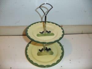 Etagere aus Teller bauen