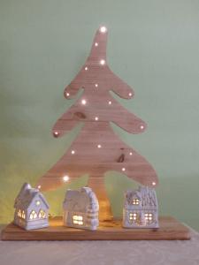 Bastelanleitung Diy Weihnachtsbaum Aus Holz Mit Beleuchtung