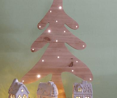 Weihnachtsbaum aus Holz basteln Lichterbaum